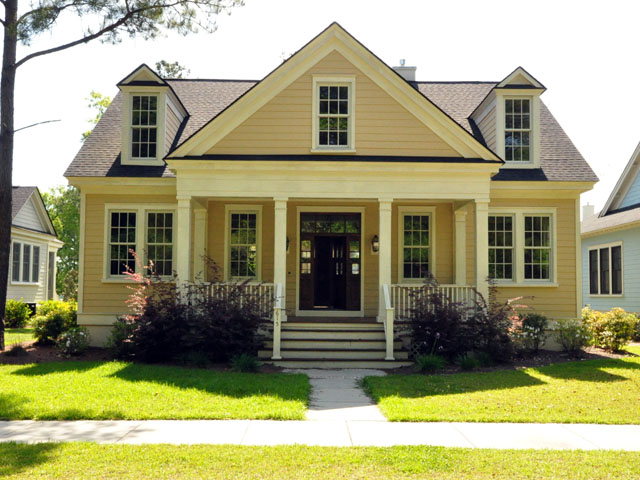 front of 615 N Hickory for sale in Summerville